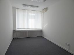 Kancelárske priestory na prenájom – 17 m2 – Škultétyho